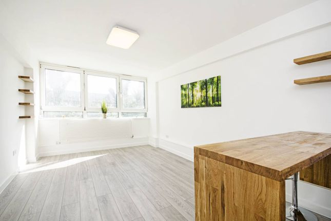 2 bed flat for sale in Scriven Street, Hackney