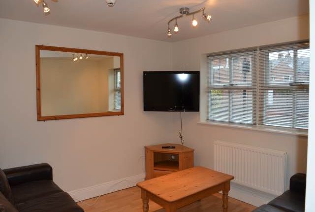Thumbnail Flat to rent in Flat 5, 51 Osborne Road, Jesmond