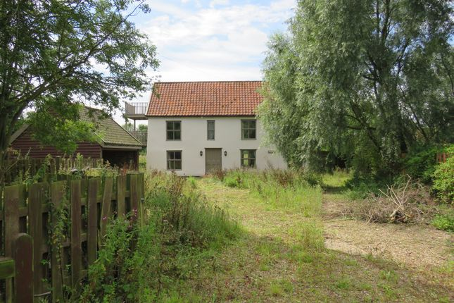 Thumbnail Detached house for sale in The Heywood, Diss