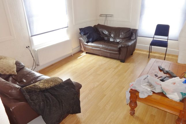 Thumbnail Flat to rent in High Street, Cowley, Uxbridge
