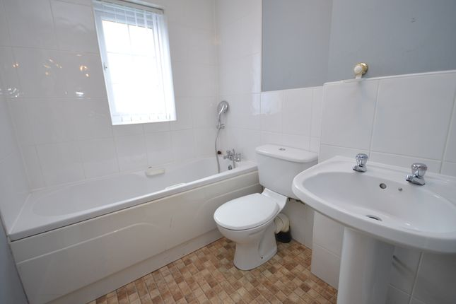Family Bathroom of Astbury Chase, Darwen BB3