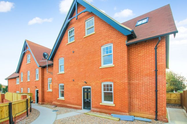 1 bed flat to rent in Sturry Hill, Sturry, Canterbury CT2