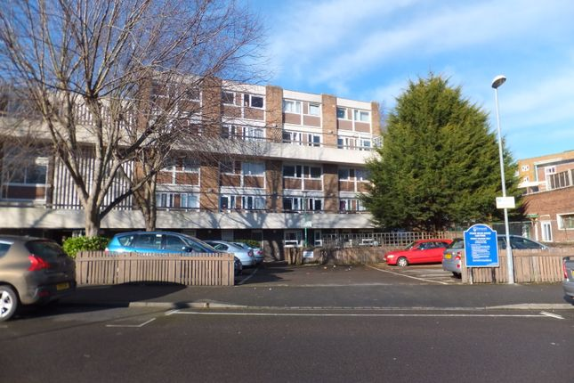 Thumbnail Maisonette to rent in Somers Road, Southsea