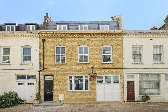 Thumbnail Property to rent in Spear Mews, London