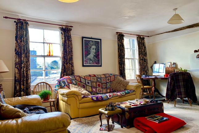 Thumbnail Flat to rent in High Street, Totnes