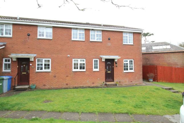 2 bedroom flat to rent in Cherrytree Place, Strathaven