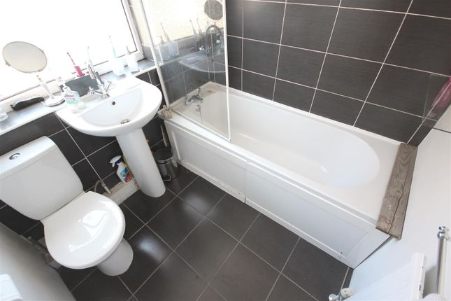 Bathroom of Tadcaster Road, Sheffield S8
