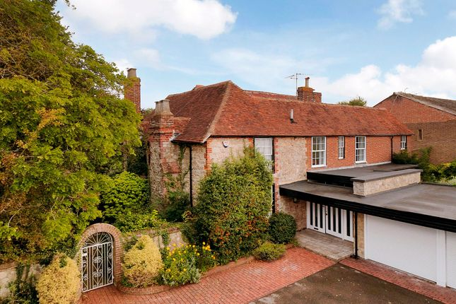 Thumbnail Detached house for sale in House Plus Annexe, Barming, Maidstone