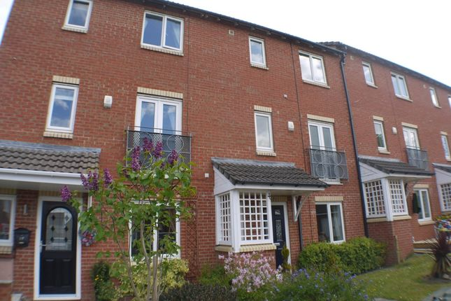 Thumbnail Town house to rent in School Row, Castlefields