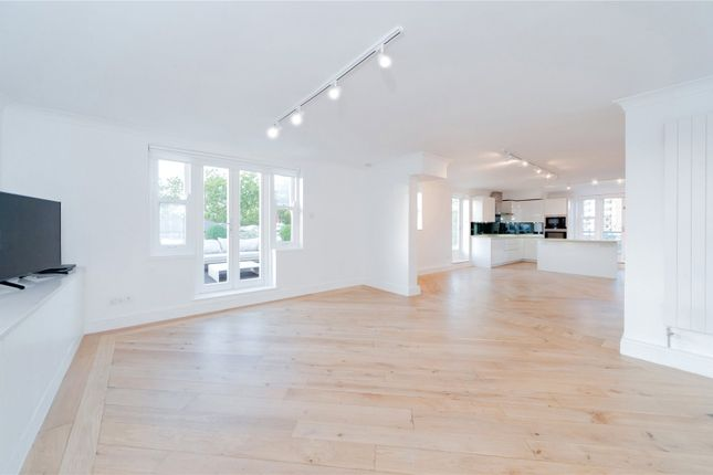 Thumbnail Flat to rent in Europa House, 79A, Randolph Avenue, Maida Vale