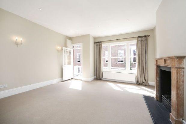 Thumbnail Flat to rent in Peterborough Road, Fulham