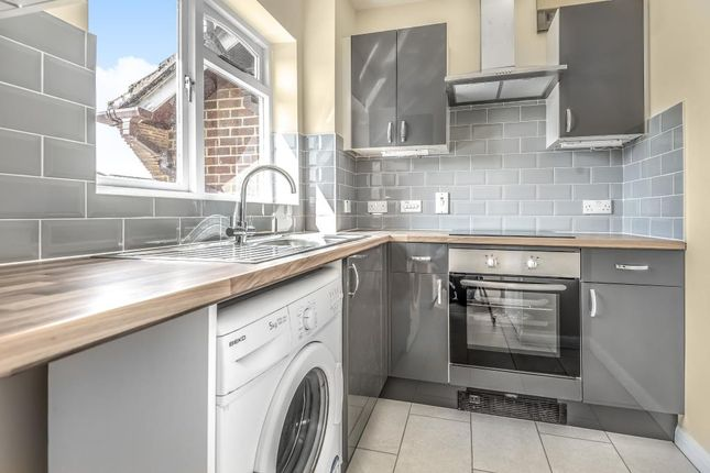 Thumbnail Studio for sale in Corfe Place, Maidenhead