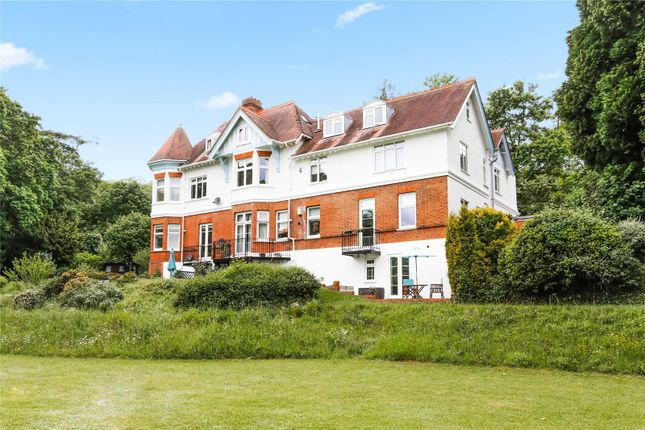 Thumbnail Maisonette for sale in The Heights, Henley Road, Marlow, Buckinghamshire