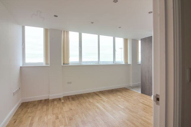 Thumbnail Flat to rent in York Towers, 383 York Road, Leeds, Leeds