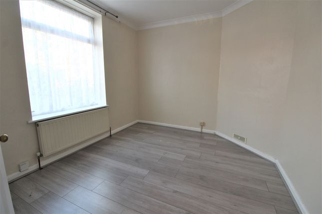 Thumbnail Terraced house to rent in Parsloes Avenue, Dagenham, Essex