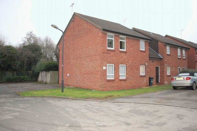 Thumbnail Flat for sale in Rufford Close, Alcester