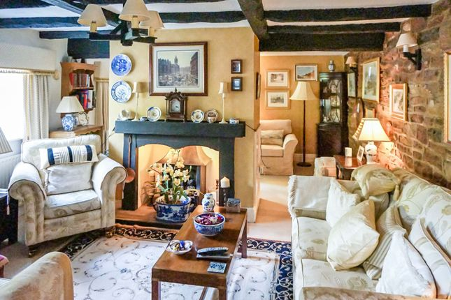 Thumbnail Cottage for sale in Hangar Hill, Whitwelll