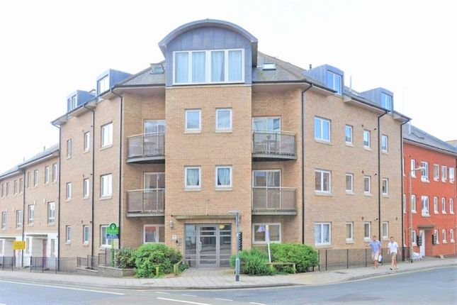 3 bed flat to rent in Market Street, Exeter EX1
