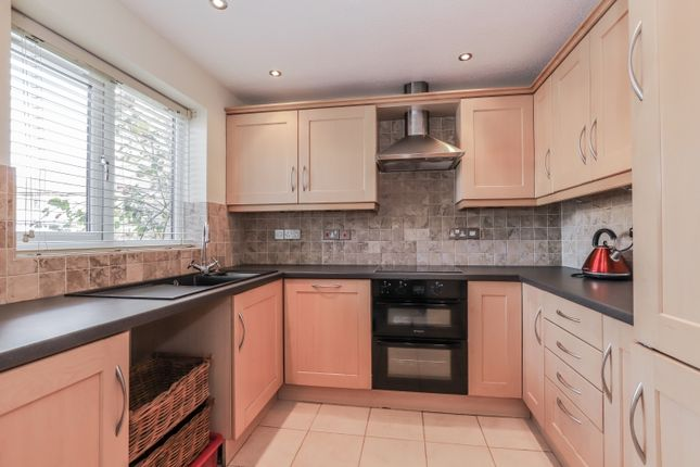 Thumbnail Semi-detached house to rent in Cogges Hill Road, Witney