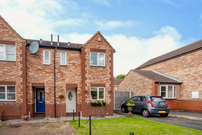 End terrace house for sale in Betony Close, Scunthorpe