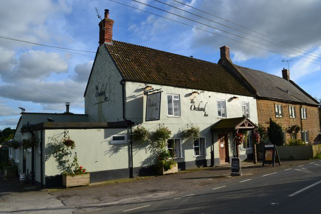 Thumbnail Pub/bar for sale in High Road, Galhampton