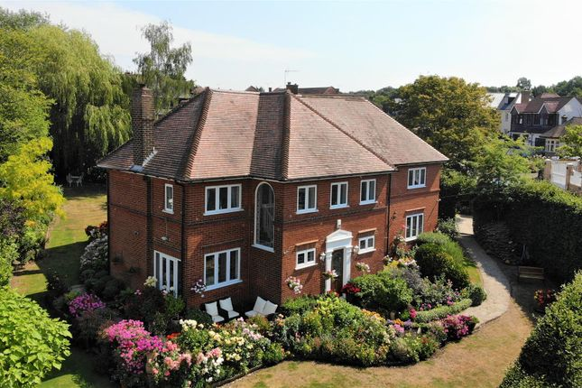 Thumbnail Detached house for sale in Fairfields, Woodman Lane, Chingford