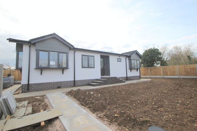 Thumbnail Mobile/park home for sale in Edkins Park, Aston Cantlow Road, Stratford-Upon-Avon