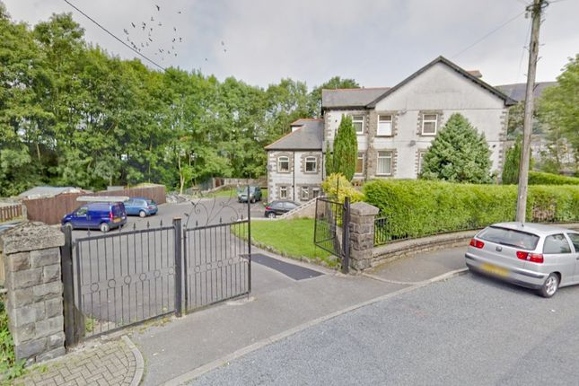 Thumbnail Flat to rent in Grovefield Terrace, Tonypandy