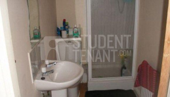 Thumbnail Terraced house to rent in Landcross Road, Manchester