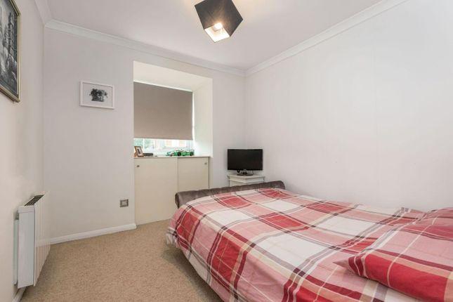 Bedroom - Master of Bridge Road, Chertsey, Surrey KT16