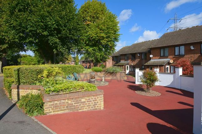 Thumbnail Flat for sale in Longhedge (Priory Park), Dunstable