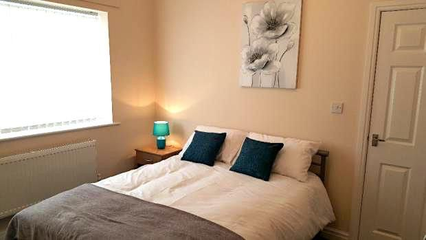 Thumbnail Shared accommodation to rent in Mersey Road, Widnes, Cheshire