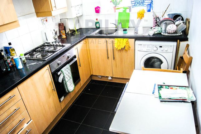 Thumbnail Flat to rent in Tennis Street, London