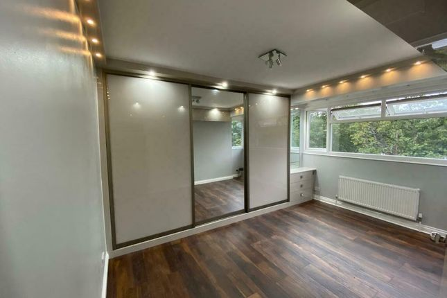 Thumbnail Terraced house to rent in Holne Chase, Morden, Surrey