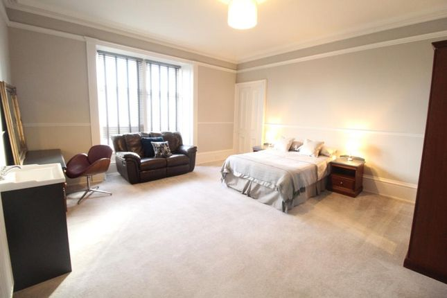 4 bed flat to rent in Union Street, Aberdeen, Flat 3 AB10