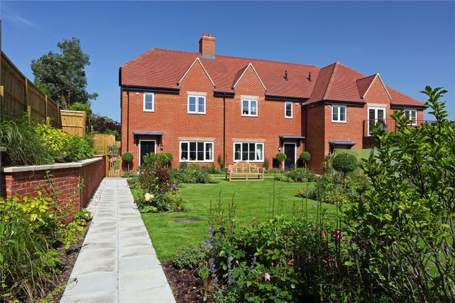 Thumbnail Flat for sale in The Sidings, Wheatley, Oxfordshire