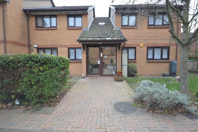 Thumbnail Flat to rent in Laymarsh Close, Belvedere