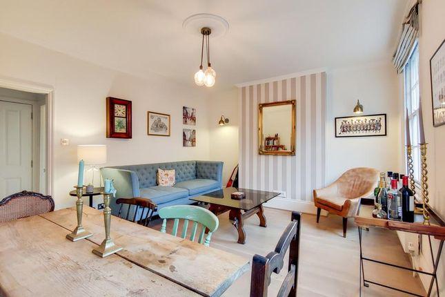 Living Room of Wincott Parade, Kennington Road, London SE11