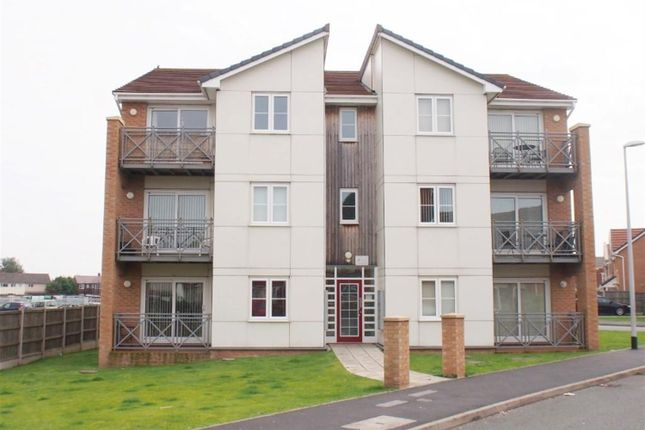 Thumbnail Flat to rent in Kingham Close, Wirral