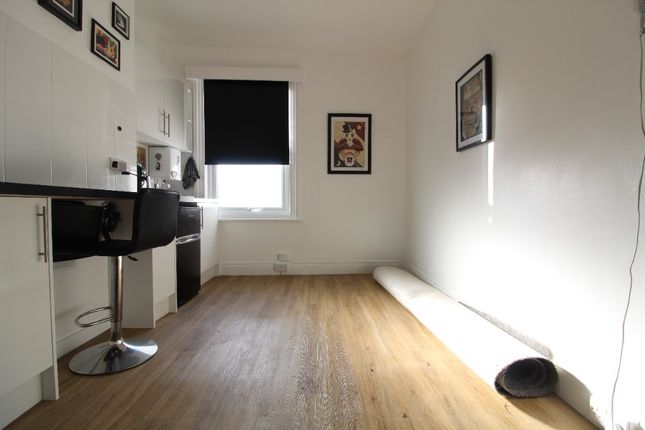 Studio to rent in Whippingham Road, Hanover, Brighton BN2