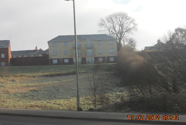 Thumbnail Flat to rent in Oakfields, Tiverton