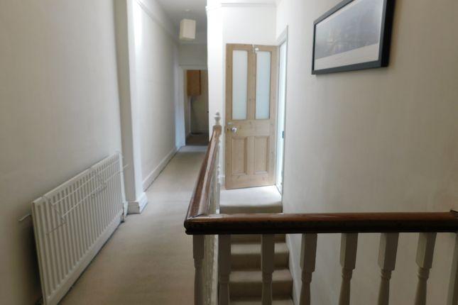 Flat to rent in Cobham Road, Norbiton, Kingston Upon Thames