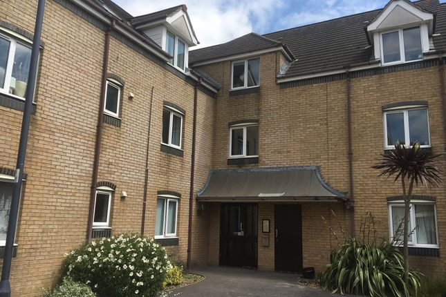 2 bed flat to rent in Atlantic Close, Ocean Village Southampton