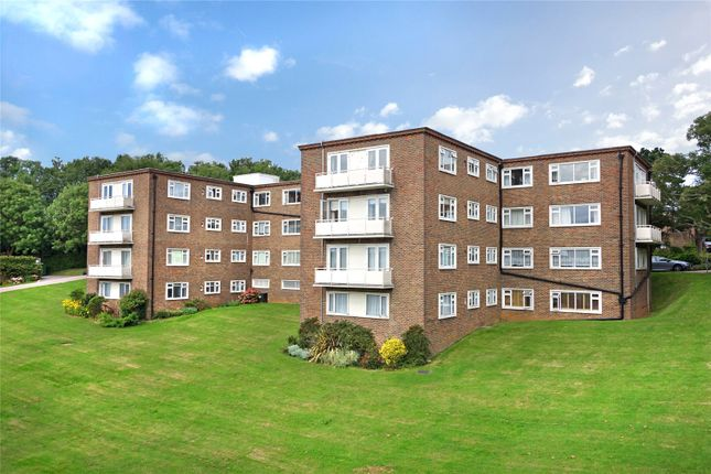 2 bed flat to rent in Woodland Court, Dyke Road Avenue, Hove, East Sussex BN3