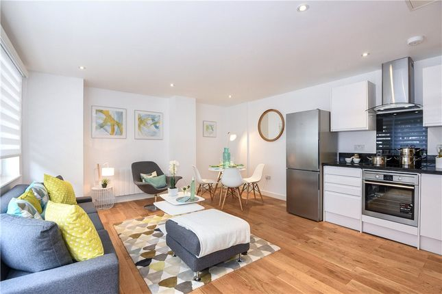 Thumbnail Flat for sale in London Road, High Wycombe