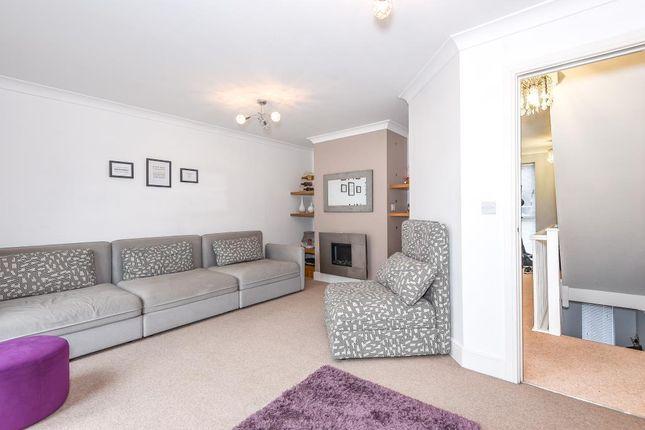 Living Area of Bracknell, Berkshire RG12
