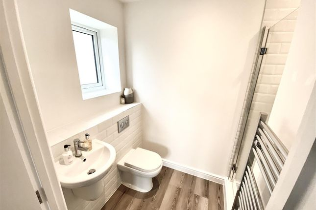 En Suite of The Parade, Pagham, Bognor Regis PO21