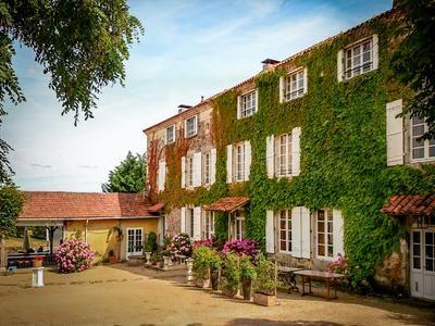 Pub/bar for sale in Nontron, Dordogne, France