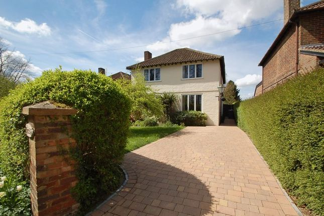 4 bed property for sale in Hammersley Lane, Penn, High Wycombe
