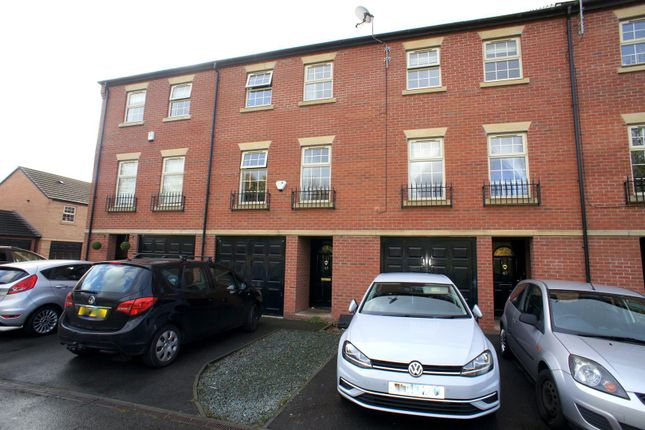 Thumbnail Town house to rent in Bridgeside Way, Spondon, Derby